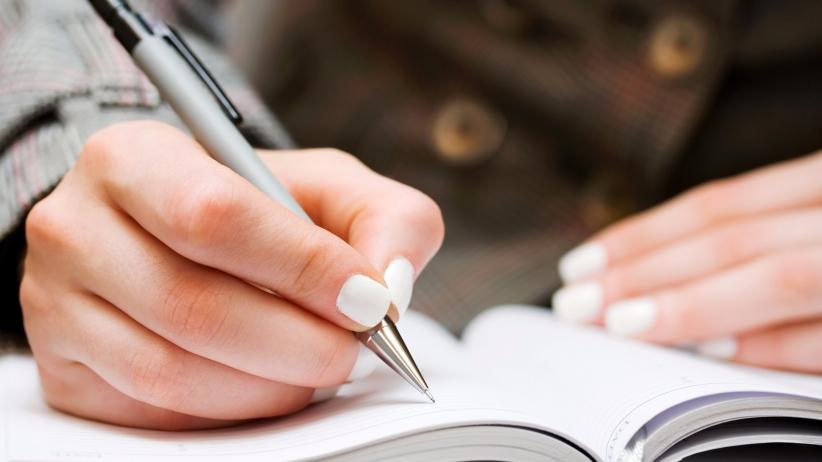 2-perbanyak-menulis-dengan-tangan